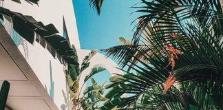 Balkon w stylu wakacyjnym – dodatki