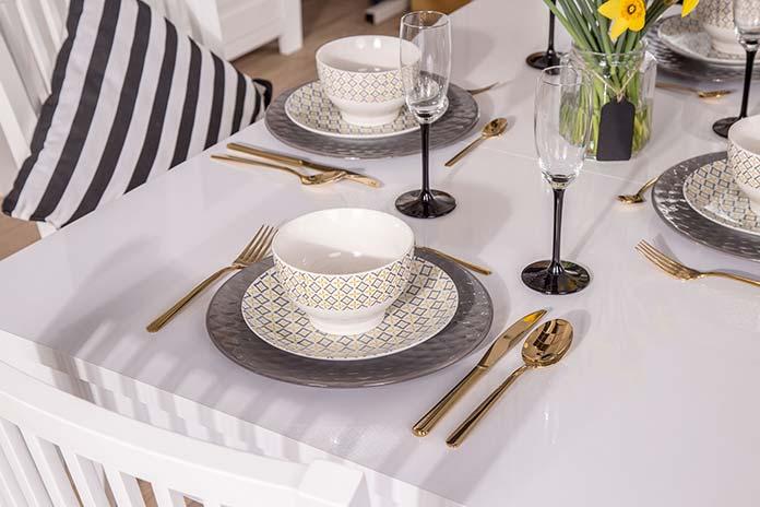 Porcelanowe serwisy obiadowe – sprawdź opinie i wybierz zestaw w Agata Meble
