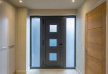 Aluminium jako materiał na drzwi